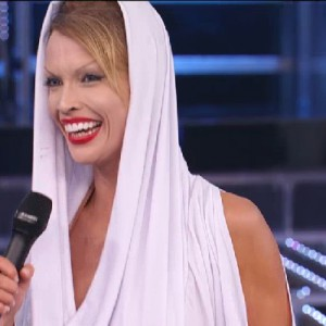 TALE E QUALE SHOW 2014 - Roberta Giarrusso as Kylie Minogue
