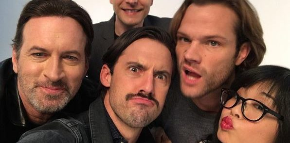 """GILMORE GIRLS"" - Scott Patterson, Matt Czuchry, Milo Ventimiglia, Jared Padalecki e Keiko Agena nel backstage del servizio per ""Entertainment Weekly"""