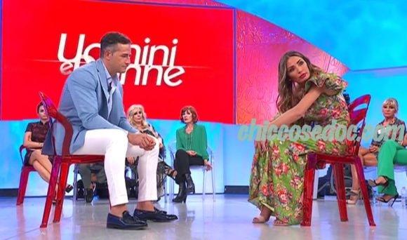 """U&D - Ida Platano e Riccardo Guarnieri, protagonisti di """"Temptation Island"""", in studio alla prima puntata del """"Trono Over"""" al confronto"""