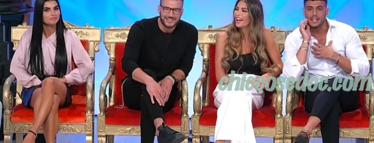 U&D - Teresa Langella e Lorenzo Riccardi i nuovi tronisti, che completano la formazione..