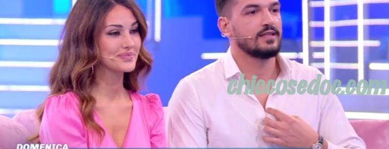 """""""DOMENICA LIVE"""" - Rosa Perrotta ed il fidanzato Pietro Tartaglione in attesa del loro primo figlio.."""
