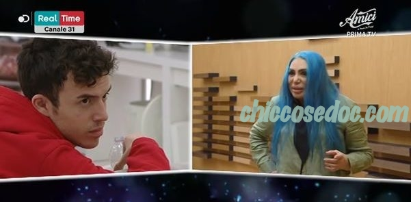 """""""AMICI 18"""" - Loredana Bertè, nel confermare la propria assenza alla settima puntata, avverte i professori.."""