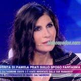 """""""LIVE – NON E' LA D'URSO"""": PAMELA PRATI LASCIA LO STUDIO DELLA COLLEGA BARBARA, NON PRIMA DI AVER AUSPICATO.. """"VORREI CHE STASERA SI METTESSE LA PAROLA """"FINE"""". VIENE ANNUNCIATA DAI SOCIAL LA ROTTURA DELLA PRESUNTA COPPIA E, A """"STRISCIA LA NOTIZIA"""", SILVIA TOFFANIN COMMENTA LA FOTO A LEI MOSTRATA DEL PRESUNTO MARCO CALTAGIRONE.."""