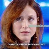 """""""VERISSIMO"""": GABRIELLA PESSION, FESTEGGIATA IN STUDIO PER IL CONCOMITANTE COMPLEANNO, INNAMORATA E FIERA DEL MARITO RICHARD FLOOD ARRUOLATO IN """"GREY'S ANATOMY"""".."""