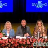 """""""SANREMO 2020"""": LA CONFERENZA STAMPA CON AMADEUS.. E 5 (DELLE 10) PRESENZE FEMMINILI CHE SALIRANNO CON LUI SUL PALCO. ALL'""""ARISTON"""", DA OSPITE D'ONORE, ANCHE MONICA BELLUCCI.. E DUA LIPA"""