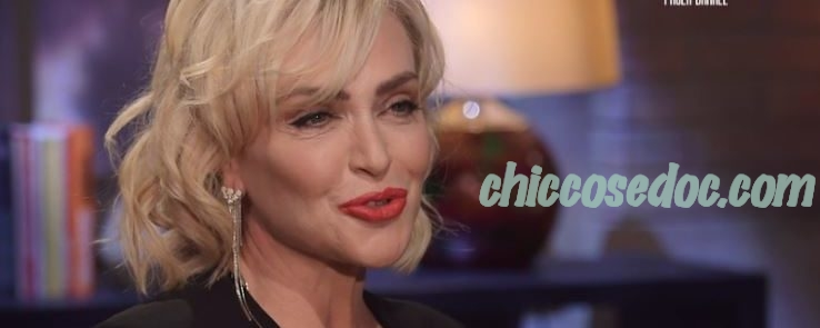"""Paola Barale, intervistata da Peter Gomez nel programma """"La Confessione"""".."""