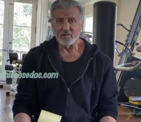 Sylvester Stallone, nel rispondere alle domande dei followers..