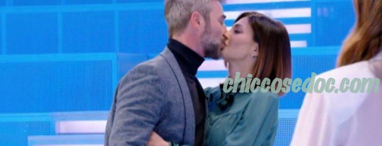"""""""VERISSIMO"""" - Flavio Montrucchio e la moglie Alessia Mancini ospiti"""