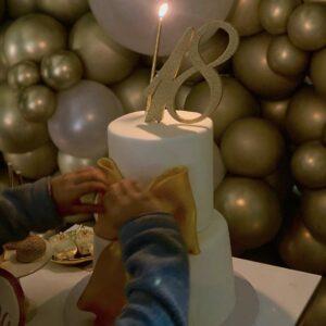 """<b>""""GRANDE FRATELLO VIP 4"""" - Compleanno in dolce attesa per la quasi mamma """"bis"""", Clizia Incorvaia, che ha spento le sue 41 candeline con il compagno Paolo Ciavarro e la famiglia riunita a Roma..  Fonte: Instagram Stories</b>"""